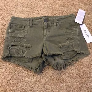 NWT! Guess size 26 army destroyed shorts